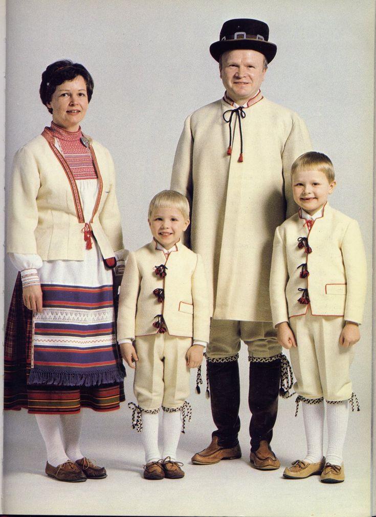 Carelian (Finland) costumes