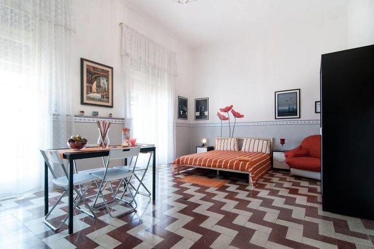 Schau dir dieses großartige Inserat bei Airbnb an: Keep calm and...come to Ortigia! - Apartments zur Miete in Syrakus
