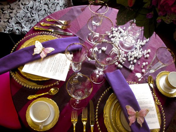 17 Best images about Purple and Gold Table Settings on ... |Pink And Purple Table Setting