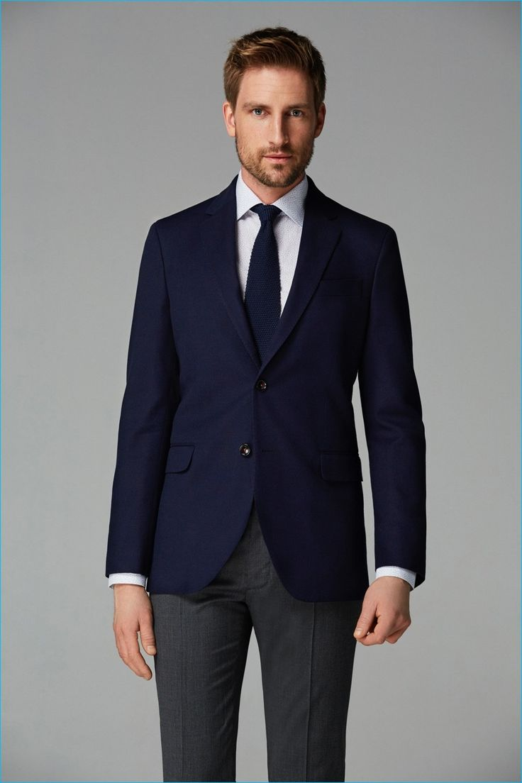 Suit separates guide Sporty elegant suit separates: beige blazer and blue trousers. The broken suit allows to combine colours and patterns with more freedom – compared to the rigor of business clothes: pastel colours, brown shoes, loafers, shirts and so on depending on the season.