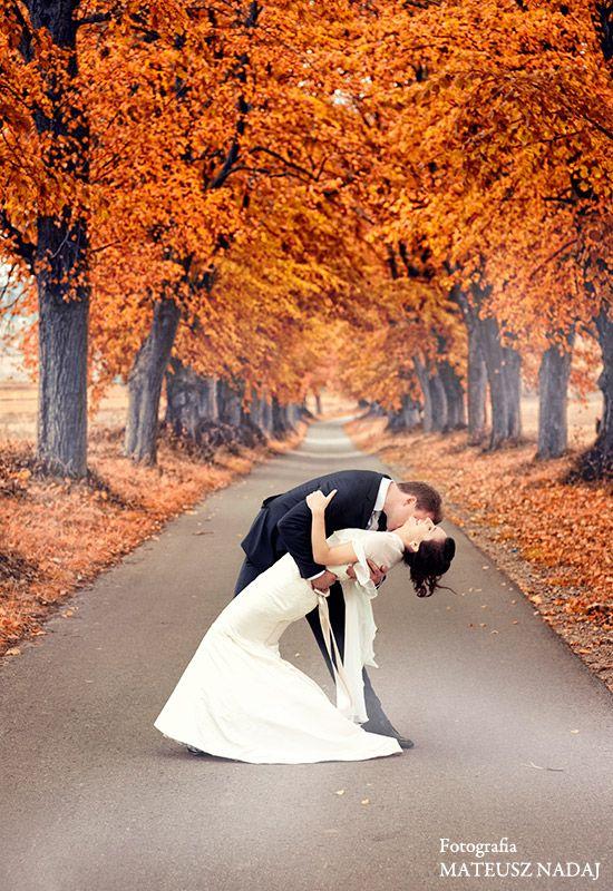Znalezione obrazy dla zapytania sesja slubna plener jesień