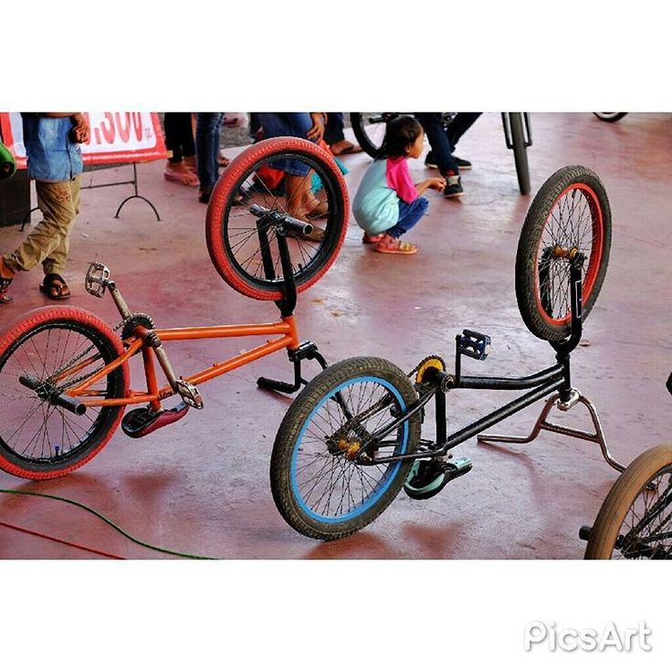 BMX cycle.... . #photography #fotografie #foto #streetphotography #streetphoto #photostreet #xt1 #fujixt1 #fujifilm #fujifilm_id #fujiguys_id #bmx http://tipsrazzi.com/ipost/1520944831977774728/?code=BUbe0QxAF6I