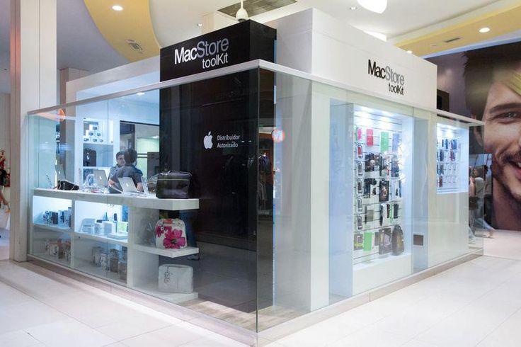 Punto de venta de insumos para informática en shopping de Rosario