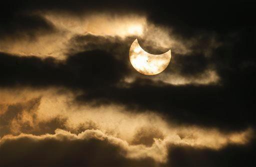 Eclissi parziale di Sole, Wichita, Kansas (Ap)