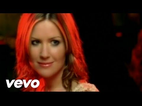 Dido's official music video for 'White Flag'. Click to listen to Dido on Spotify: http://smarturl.it/DidoSpotify1?IQid=DidoWF As featured on Greatest Hits. C...