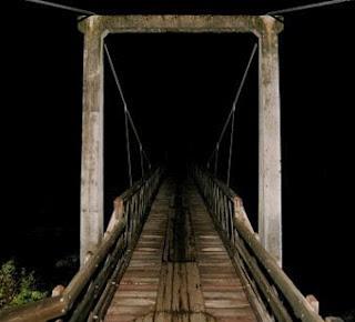 .: Scream Bridges, Roads Bridges, Screens Shots, Shots 2010 11 08, Scary Places, Hugh Roads, Creepy Places On Earth, 36 People, Creepy Stuff
