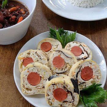 Resep Bola Ayam Isi Telur - Assalamu'alaikum, selamat malam bunda, tadi pagi saya pas belanja lihat daging ayam kampung, dan terciptalah