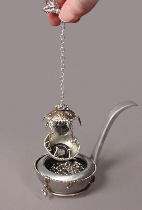 Lindsay Fisher - Tea strainer
