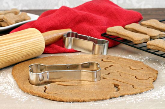 Healthy, homemade dog treats give you the power of knowing exactly what went into the recipes, eliminating any guesswork about whether or not they're good for your pooch. Check out these recipes for Spelt and Sunflower Treats, Oatmeal Dog Cookies and Dog Meal Replacement Bars from MOTHER EARTH NEWS.