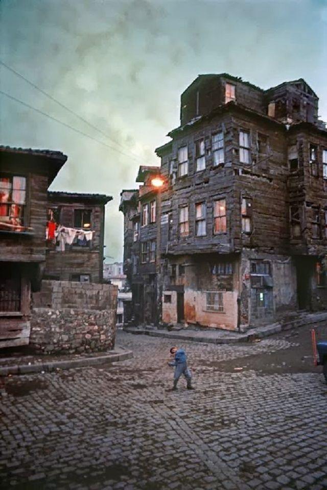Ara Güler Ustadan İstanbul 1960 - 70'ler @bugunbugece http://bgbg.tv/o/h/568201