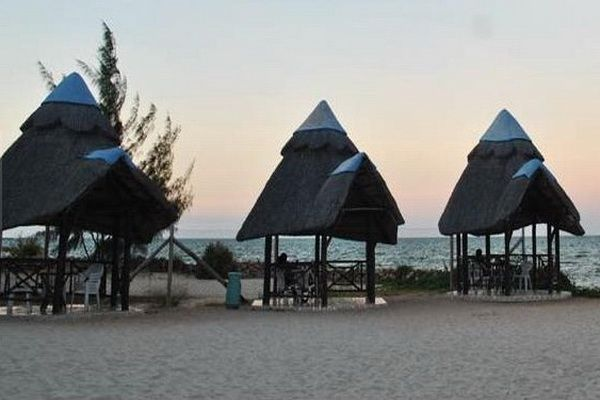 The unique BeachComber Hotel offers the ultimate in comfort and hospitality depicting the rich culture and décor of the coast. #resort #beautiful #beachfront #holiday #family http://thebeachfrontclub.com/beach-hotel/africa/united-republic-of-tanzania/dar-es-salaam/dar-es-salaam-beach/beachcomber-hotel-resort/