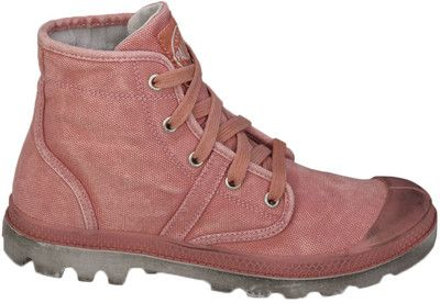 Palladium Pampa - The urban look of Palladium Pampa's will have you hitting the pavement in style, featuring a molded rubber outsole with a vintage wash look. Create a look all your own with these Palladiums!