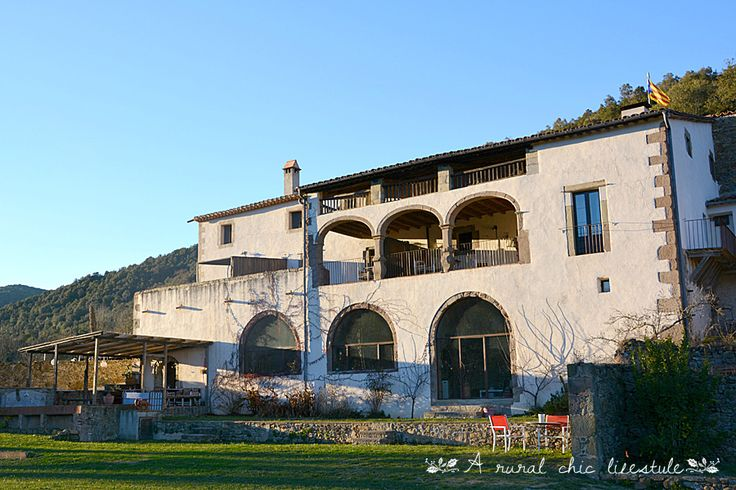 http://www.mascanbatlle.com/ Santa Pau - La Garrotxa - Catalonia