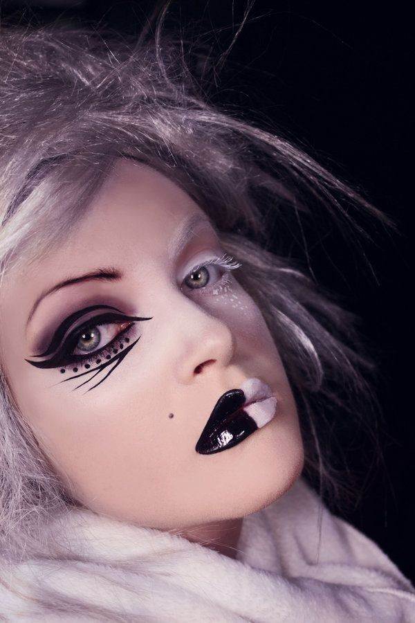 the best halloween witch make up ideas black white make up theme