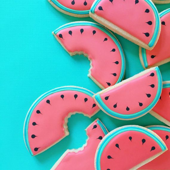 This listing includes 1 dozen (12) watermelon sugar cookies, in two sizes - 6 large (4 wide), 6 medium (3.25 wide).  These cookies will be made in