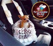 Het is te gebruiken als tas, hondenmand en autostoel! In de koude maanden kan u hond hier heerlijk in weg kruipen om lekker warm te worden! Deze Pet Flys Reversible Snuggle Bug Snow Leopard & Cream heeft een uitneembaar zachte kussen en dekentje en dit alles is gemaakt in de USA.