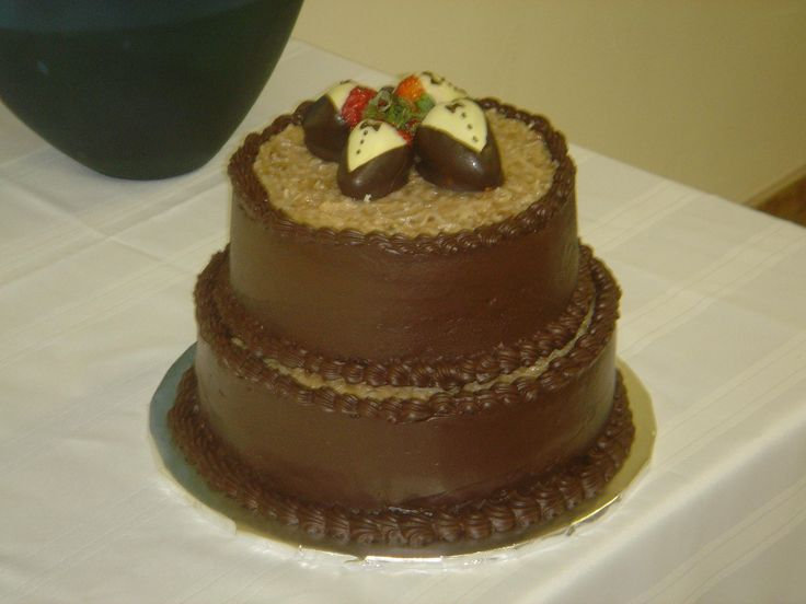 Cake Design Ulm : german chocolate wedding cake Cakes Pinterest Cream ...