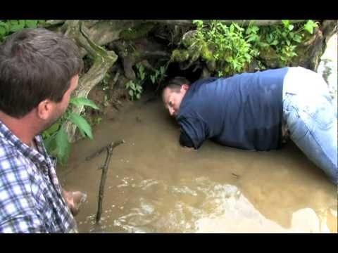 Noodling for Snapping Turtles - YouTube