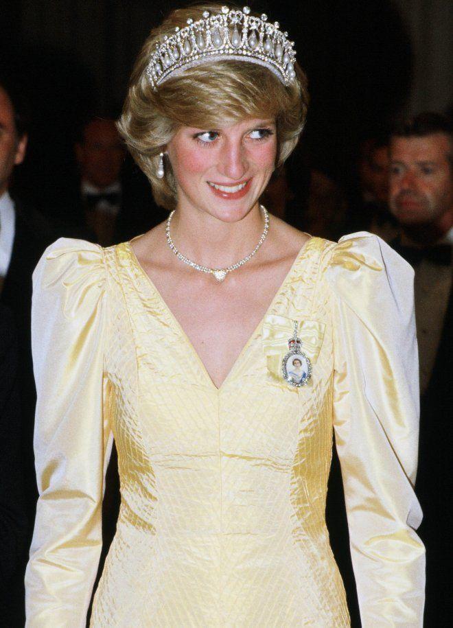 In Kanada begeisterte sie 1983 in unschuldigem Pastellgelb und der Cambridge Lover's Knot-Tiara.  © Getty Images