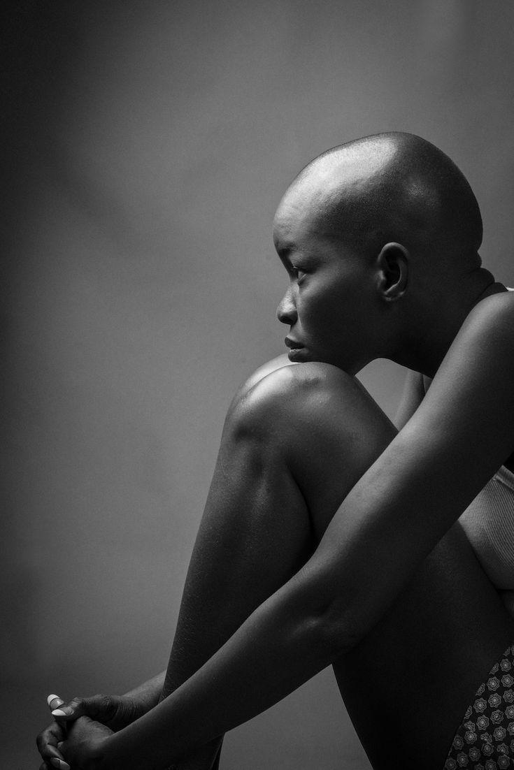 лысые девушки черно белое фото