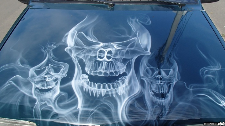 Awesome skulls out of smoke