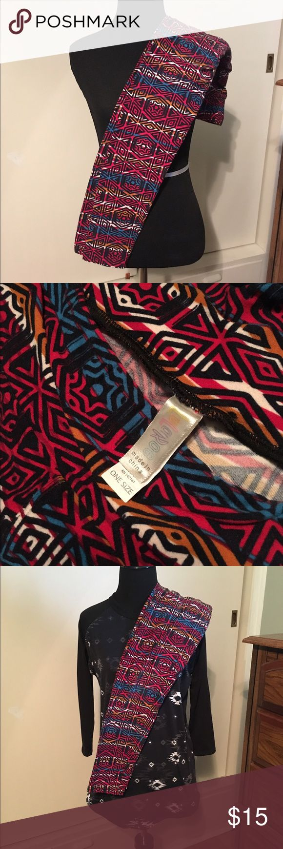 LuLaRoe OS Leggings! Cute printed LuLaRoe leggings. These have been gently loved, but washed according to LLR directions. Made in China.                                   Pair these leggings with the shown black Randy tee, which can be found in my closet! LuLaRoe Pants Leggings