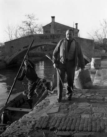Ernest Hemingway a caccia a Torcello nel 1948.