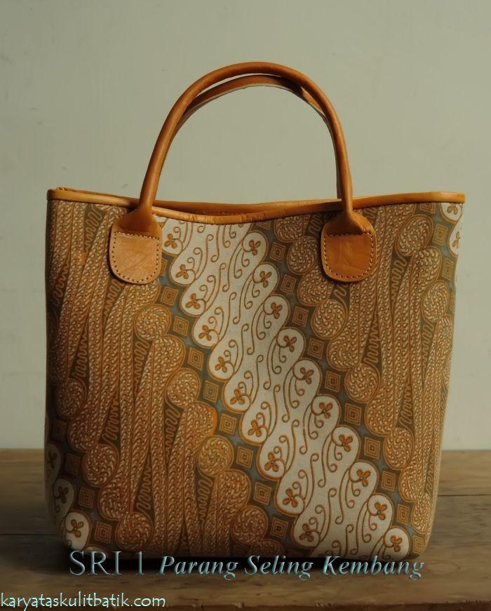 Sri 1 Parang Seling Kembang  (Tas Kulit Batik ) by Karyatasku