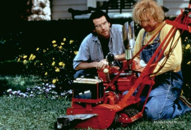 The Lawnmower Man publicity still of Pierce Brosnan & Jeff Fahey