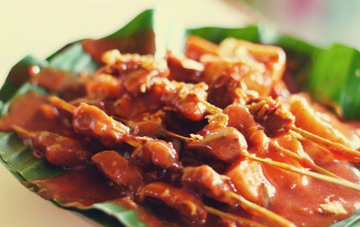 Indonesische Sateetjes, welke Nederlander houd daar niet van? Dit recept kan natuurlijk niet ontbreken.