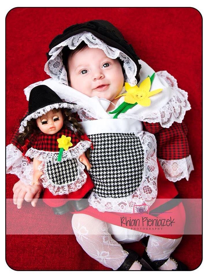 St David's Day. Welsh baby. Rhian Pieniazek Photography 2014.