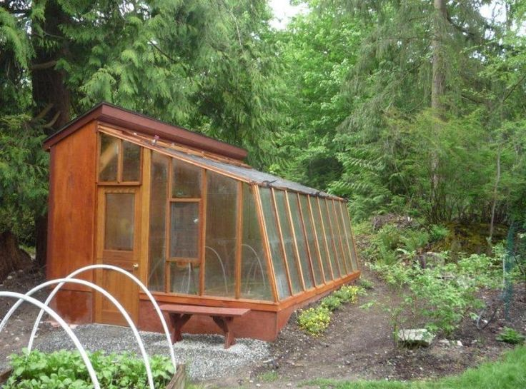 Lean-to solite greenhouse that stands alone.
