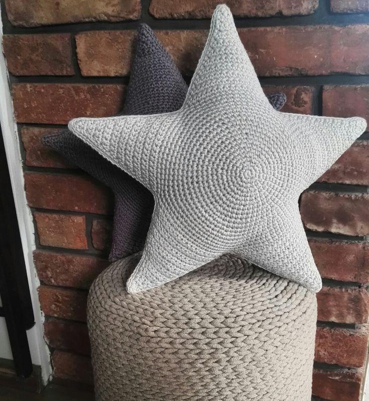 Dzień dobry w środku tygodnia😁 Szarak dołączył do granitowej gwiazdy😊 Zamówienie ✅ Działam dalej 😁 #motkisplotki #cottonstars #bawełnianagwiazda #gwiazda3d #stars3d  #pillow #starpillow #star3d #handmade #homemade #homedesign #rękodzieło #ręcznarobota  #ozdoba #decor #homedecor #scandinaviandesign #scandinavianstyle #crochet #szydełkowanie #instacrochet #decoration #wystrójwnętrz #wnętrza #bawełna #bigstars #starpillow #madeinpoland #szydełko #crochet #interior #poduszka
