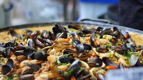 Street Food, Cuisine du Monde: Recette de moules épicées au gingembre, à la citronnelle et coriandre (Thaïlande)