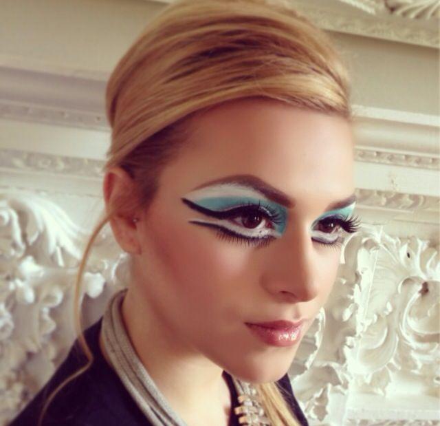 60s couture makeup & hair @Davinia Huntley@DFMA #60s #60smakeup  #60shair #couturemakeup #motd #makeup #mua #makeupartist #eyeliner #eyelashes #fakelashes #60smakeupnhair