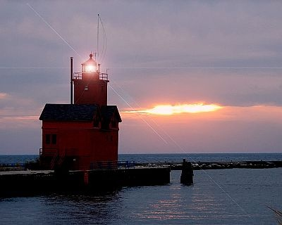 Holland Harbor Lighthouse...Holland MI.Lighthouses Holland Mi, Harbor Lighthouses Holland, Favorite Places, Red Lighthouses, Holland Michigan, Harbor Lighthouse Holland, Lakes Michigan, Big Red, Holland Harbor