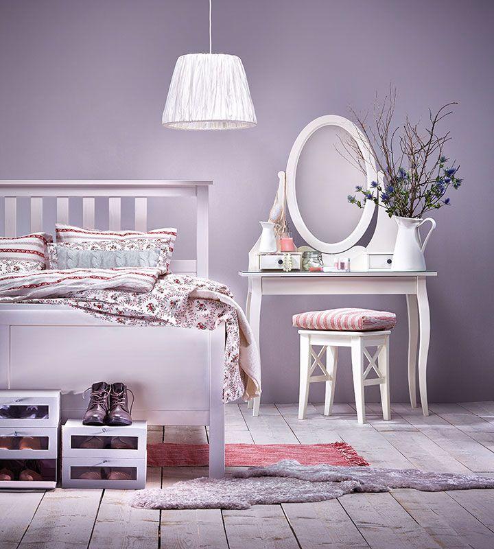 Zu mir oder zu mir? Es gibt viele Gründe, sich auf die Nachtruhe zu freuen: Schöne Bettwäsche mit tollen Mustern ist einer davon. Und wenn du dann noch ein kuscheliges Bett hast, das perfekt zu dir und deinen Schlafgewohnheiten passt, dann wird dein Schlafzimmer bald zu deinem Lieblingszimmer.
