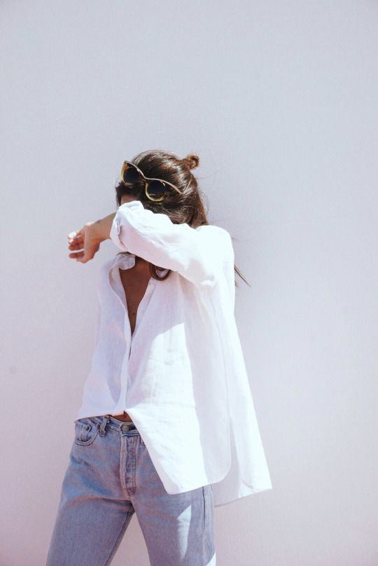 Summer outfit with white shirt and washed jean