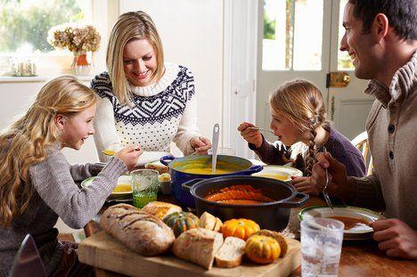 Teď je období, kdy si můžete užít dýně dosyta. Zkuste polévku, omáčku, rizota nebo jen čistě pečené dýňové kousky; Profimedia