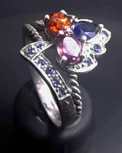 NATURAL CEYLON BLUE SAPPHIRE WITH SPINEL & SPESSARTITE IN STERLING RING SZ 6.5 SEE HIGH DEFINITION VIDEO   $95.00  Plus $5.95 registered mail from thailand office delivery time  12-25 days  delivery guarenteed