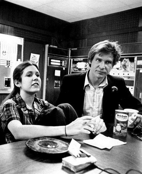 Carrie Fisher e Harrison Ford, da triologia original de Guerra nas Estrelas. Os atores vão contracenar novamente em Star Wars: Episódio VII.