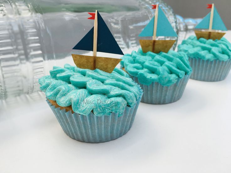 Made these cupcakes with boat toppers for a first birthday party. Sailor themed…