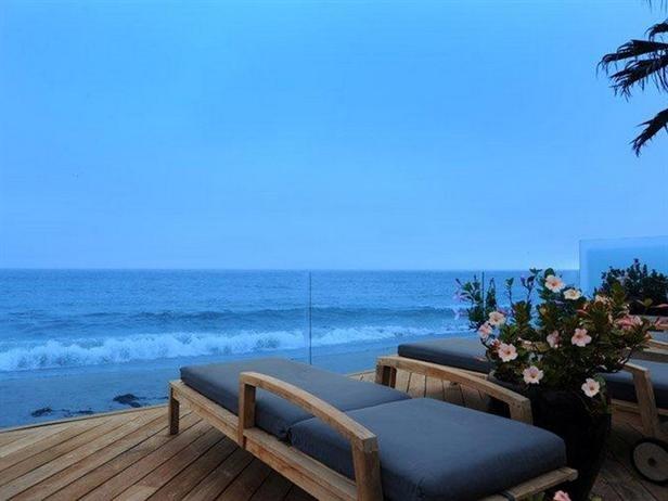 Absolute Bliss- Unobstructed Ocean Views: Sandy Beaches, Carrey Malibu, Beaches House, Carreyunobstruct Ocean, Carrey Unobstruct Ocean, Beaches Dreams, Jim Carrey, Ocean View, Malibu Beaches