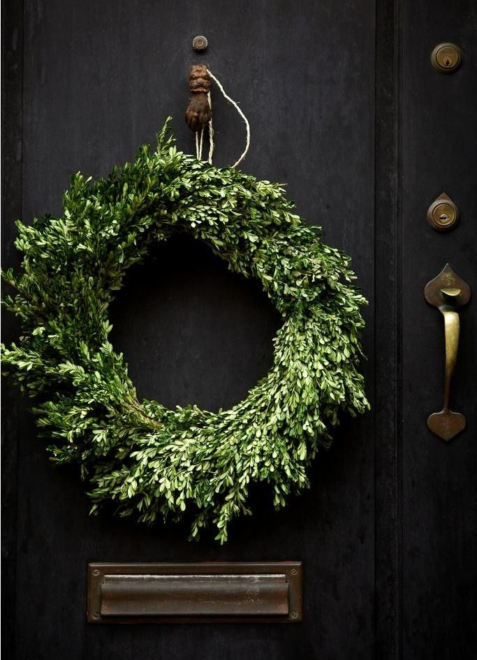10 Favorite Christmas Holiday Wreaths for the Front Door