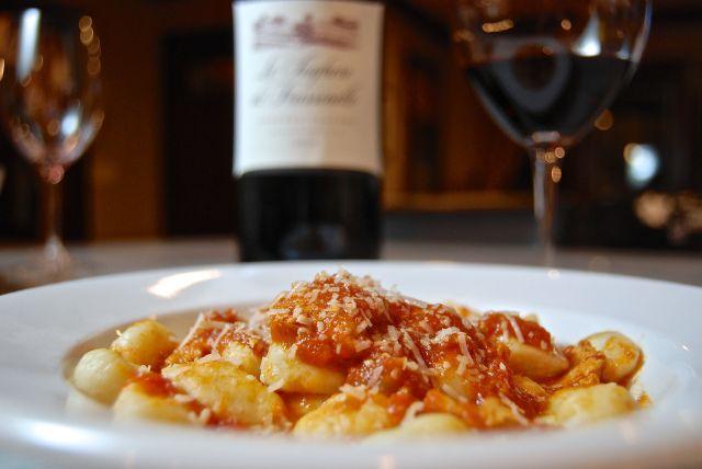 Gnocchi al sugo di faggiano.  Gnocchi with pheasant sauce.  http://duespaghetti.com/2013/11/30/gnocchi-al-sugo-di-faggiano/
