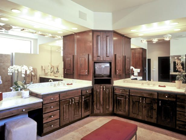 Definitely a neat idea his and hers separate area 39 s for Bathroom cabinets in queens