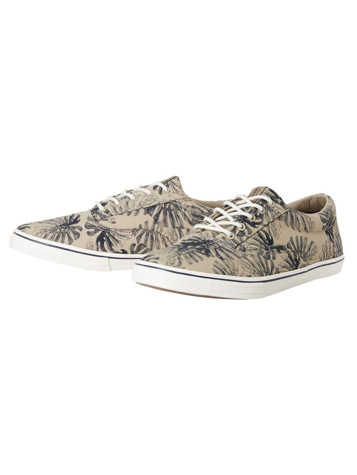 Welcome the warmer weather with a pair of leaf print beige sneakers. Wear them with rolled up jeans or shorts to give them the attention they deserve! | JACK & JONES #footwear #men #menstyle #summer