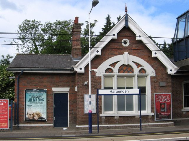 Harpenden Railway Station (HPD) in Harpenden, Hertfordshire