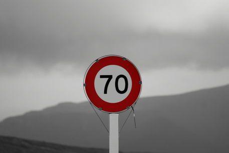 'Speed limit sign on a vulcano in New Zealand' von stephiii bei artflakes.com als Poster oder Kunstdruck $6.48