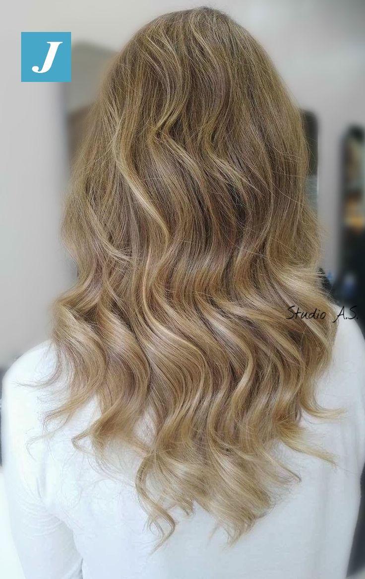 Fai un regalo ai tuoi capelli, scegli di indossare il Degradé Joelle!! #centrodegradejoelle #studioasparrucchieri #degrade #degradejoelle #madeinitaly #musthave #ootd #naturalshades #hair #hairstyle #hairstylist #coolhair #fashion #glamour #grosseto #igersgrosseto